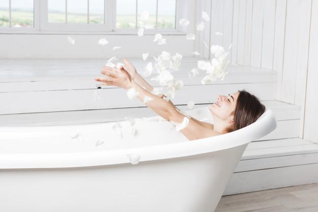 Qual é a temperatura ideal do seu banho, para não danificar a pele?