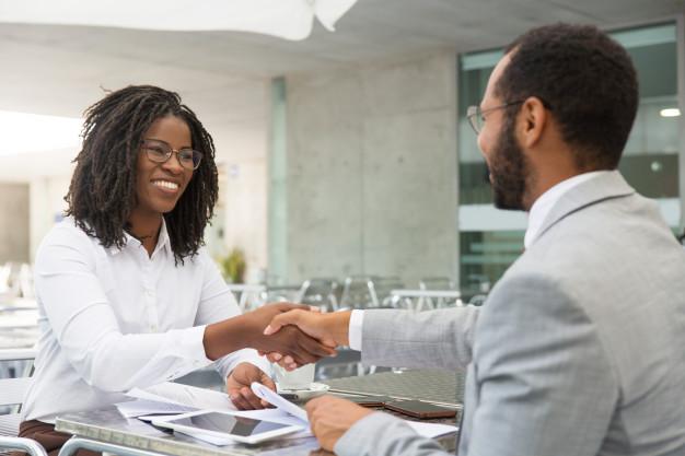 Como proporcionar experiências positivas aos seus clientes