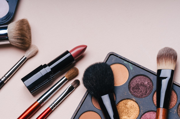 Como escolher a sombra para o seu kit de maquilhagem
